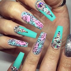 Unique Nail Designs With Rhinestones - Isnt it great when everyone admires your manicure? Isnt it amazing when your nails shine like diamonds and attract people around you? Yes, its definitely awesome and such attractive designs can be reached with the … Nail Art Designs, Acrylic Nail Designs, Dope Nails, Bling Nails, Nail Swag, Nagel Bling, Nails Design With Rhinestones, Bright Nails, Sparkle
