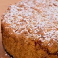 Zuurkoolschotel Met Appeltjes En Creme Fraiche recept | Smulweb.nl Creme Fraiche, Banana Bread, Desserts, Food, Tailgate Desserts, Deserts, Essen, Postres, Meals