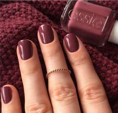 Essie Nail Polish in Angora Cardi takes the crown as the most-pinned manicure colour. Fall Manicure, Manicure Colors, Fall Nail Colors, Fall Nails, Essie Nail Polish Colors, Popular Nail Colors, Manicure Ideas, Nail Polishes, Summer Nails