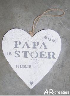 16juni is het vaderdag...verras je papa met een hart met tekst en om het persoonlijk te maken zetten we jouw naam of de naam van je kindje/kinderen eronder! Fathers Day, Birthdays, School, Om, Kids, Marcel, Google, Children, Boys