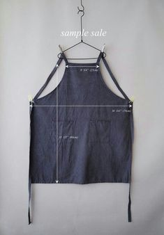 Sample Sale : Washed Blue Work Full Apron Linen by knifeinthewater Sewing Hacks, Sewing Tutorials, Sewing Patterns, Sewing Aprons, Sewing Clothes, Work Aprons, Style Outfits, Apron Designs, Aprons Vintage