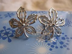 Vintage silver maple leaf earrings by Sarah by Liltreasures4you, $8.99