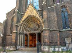 St. Martinuskerk wijck maastricht kerk met het zwarte kruis waar ik mijn 1e H. Communie heb gedaan
