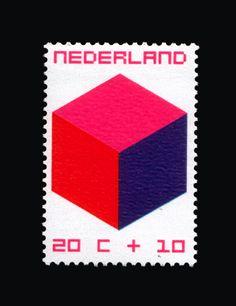 1970 | W. Graatsma | roze, rood, paars | kubus
