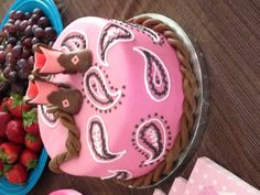More detail needed in the bandana design. Fondant boot pattern filed under this same heading. Cowgirl Birthday, Cowgirl Party, Birthday Cake Girls, Birthday Ideas, 50th Birthday, Cowgirl Cakes, Western Cakes, Western Theme, Cake Pops