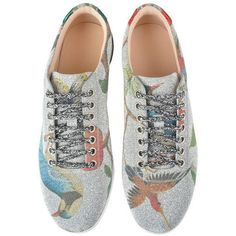 Gucci Glitter Bird Print Trainers (9.815 ARS) ❤ liked on Polyvore featuring shoes, sneakers, flats, gucci, gucci flats, glitter sneakers, lace up flats, red glitter shoes and red glitter sneakers