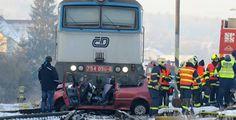 Tragická nehoda v Klatovech. Řidička vjela pod vlak, střet nepřežila >>> https://plzen.cz/tag/cerna-kronika/