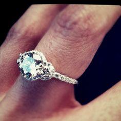 Amazing engagement ring - verraigo insignia 7049D