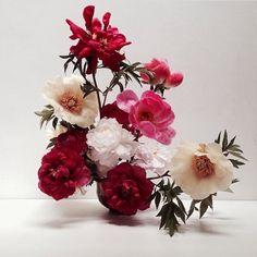 Fjura Fjura - is-sit tiegħi Bill Cunningham, Floral Arrangements, Floral Design, Floral Wreath, Bloom, Wreaths, Florals, Instagram Posts, Wedding