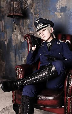 Prussia, Axis powers Hetalia | shinomiya ran - WorldCosplay | O///////O I can't. what? who is this perfect creature?