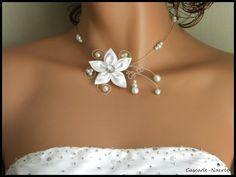 Svatební květinový náhrdelník stříbro Swarovski Crystal bílé svatební perla JULINE: Náhrdelník podle bijoucascadenacree
