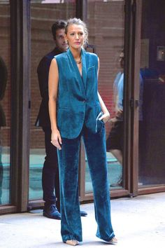 Blake Lively Outfits, Blake Lively Style, Celebrity Dresses, Celebrity Style, Black Lively, Gossip Girl Fashion, Suits For Women, Fashion Outfits, Fashion Tips