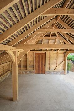 Beautiful oak garages for classic cars and sports cars. From 2 bay up to 5 bay car storage The Classic Barn Company have a range of oak framed building designs to suit every purpose Timber Frame Garage, Timber Frame Cabin, Pole Barn House Plans, Pole Barn Homes, Wooden Carports, Roof Truss Design, Oak Framed Buildings, Carport Designs, Backyard Pavilion