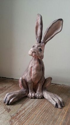 Discover thousands of images about Ceramic hair. Kath and Hank. Rabbit Sculpture, Paper Mache Sculpture, Pottery Sculpture, Pottery Art, Sculpture Art, Pottery Animals, Ceramic Animals, Clay Animals, Ceramic Art