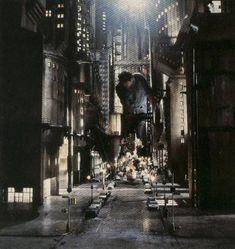 batman-anton-furst-designed-gotham-city-miniature-set