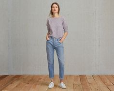 The Levi's® Made & Crafted™ Slouchy Taper is cut in our iconic boyfriend silhouette. This relaxed jean sits at your waist and features an ankle-length leg with a perfect tapered fit. It's a classic style with signature charm, unique to Levi's® heritage.