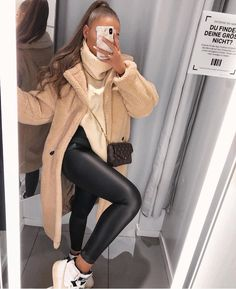 Main Inspo Page ⋆ Best Frugal Deal & Steals on - Mode outfits - Hybrid Elektronike Winter Outfits For Teen Girls, Winter Fashion Outfits, Fall Winter Outfits, Look Fashion, Autumn Winter Fashion, Womens Fashion, New York Winter Outfit, Ootd Winter, Stylish Winter Outfits