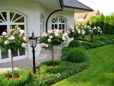 41 Fresh And Beautiful Front Yard Landscaping Ideas /. -Outstanding 41 Fresh And Beautiful Front Yard Landscaping Ideas /. - 43 beautiful front yard landscape flowers in your dream 14 Garden Front Of House, Front Garden Landscape, Garden Paths, House Landscape, House Front, House Yard, Landscape Edging, Landscape Steps, Landscape Timbers
