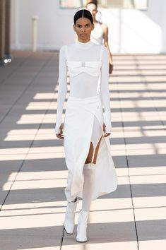 Spring 2020 Fashion Trends – Fashion Week Coverage - Mode Rsvp - Dion Lee Spring Summer 2020 trends runway coverage Ready To Wear Vogue lingerie underwear ov - Fashion Week Paris, Fashion Weeks, Fashion Outfits, Dion Lee, 2020 Fashion Trends, Fashion 2020, Vogue Fashion, Runway Fashion, Elegantes Outfit Frau