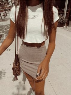 12 casual outfits to leave your jeans at home and wear a mini skirt! - 12 casual outfits to leave your jeans at home and wear a mini skirt! Teenage Outfits, Teen Fashion Outfits, Retro Outfits, Girly Outfits, Look Fashion, Classy Fashion, Fashion Shoes, Party Fashion, Fashion Dresses