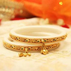Gold Bangles Design, Gold Earrings Designs, Gold Jewellery Design, Necklace Designs, Gold Jewelry, Rajputi Jewellery, Bridal Bangles, Jewelry Patterns, Indian Jewelry