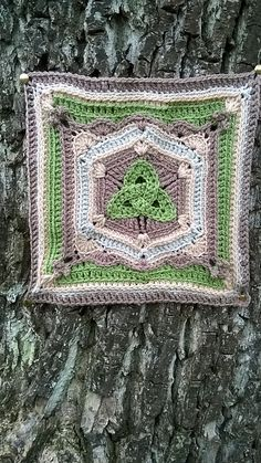 Ravelry: Triquetra Celtic Knot Afghan Block pattern by Joyce D. Lewis