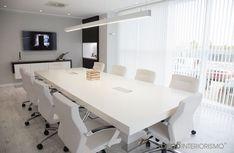Empezamos la semana transmitiendo los valores de una empresa a través de su imagen, #interiorismo y #decoración crean el #marketing visual para potenciar el éxito empresarial. http://ideasinteriorismo.com/portfolio/sala-de-juntas/: