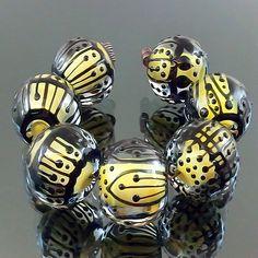 PIKALDA=handmade lampwork 7 glass beads dot line=LEMON=SRA