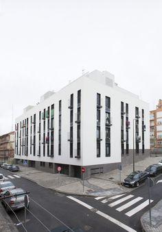 Gallery of Los Olivos 53 Houses and 58 Garages / Espaciopapel - 13
