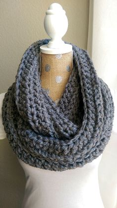 Chunky Crochet Scarf-Grey bulky yarn