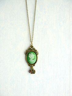 Collier Rétro Romantique, Bronze,Cabochon Résine Visage Femme Rétro Vert,Cristal Swarovski : Collier par mon-armoire-jolie