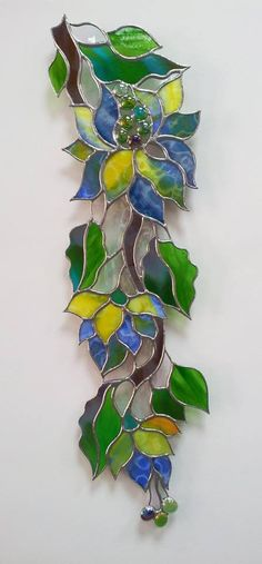 Stained Glass Ornaments, Making Stained Glass, Stained Glass Suncatchers, Stained Glass Flowers, Faux Stained Glass, Stained Glass Designs, Stained Glass Panels, Stained Glass Projects, Stained Glass Patterns