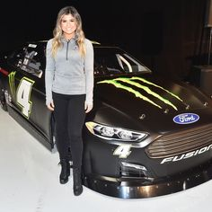 New year. New manufacturer. New team. New series. New number. Take a look at Hailie Deegan's No. 4 DGR-Crosley Racing Ford for the ARCA Menards Series! Female Race Car Driver, Car And Driver, Nhra Drag Racing, Nascar Racing, Auto Racing, Ford Motorsport, Women Drivers, Monster Energy Girls, New Number