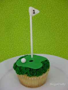 My sweet of the month for June is this Father's Day golf themed cupcake.  It's really easy to make- you could even start with store bough...