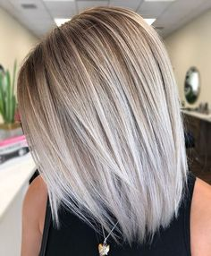 Stylish Ombre Balayage Hairstyles for Long Hair Medium Hair . Stylische Ombre-Balayage-Frisuren für schulterlanges Haar Mittlerer Haars… Stylish ombre balayage hairstyles for shoulder-length hair medium haircut # Bright Blonde Hair, Brown Blonde Hair, Blonde Roots, Ash Blonde Hair With Highlights, Ash Blonde Bob, Perfect Blonde Hair, Blonde Tips, Color Highlights, Light Blonde