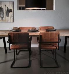 Leren eetkamerstoel Nelson in cognac leder en met stoer zwart frame - Woonwinkel Alle Pilat