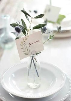 vase place cards