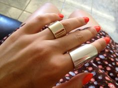 oooh @Janine Dillabaugh is this the kind of ring you were talking about? cause I really like this one!