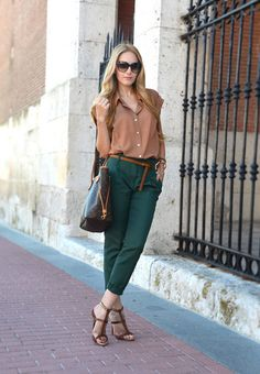 45 Ideas how to wear green pants teal Teal Pants Outfit, Slacks Outfit, Green Pants Outfit, Trouser Outfits, Hunter Green Pants, Dark Green Pants, Forest Green Pants, Office Outfits, Casual Outfits