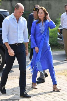 Prince William and Kate Duke and Duchess of Cambridge start Pakistan tour with school visit William Kate, Prince William And Kate, Duchess Kate, Duke And Duchess, Duchess Of Cambridge, Kate Middleton, Pakistan, Jenny Packham Dresses, Catherine Walker