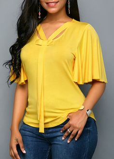 Stylish Tops For Girls, Trendy Tops, Trendy Fashion Tops, Trendy Tops For Women Mode Plus, Latest African Fashion Dresses, Yellow Blouse, Trendy Tops, Pretty Outfits, Blouses For Women, Women's Blouses, Blouse Designs, Plus Size Fashion
