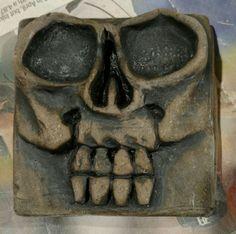 Awesome skull pottery tile Skull Carpet, Tiles, Pottery, Ceramics, Awesome, Ideas, Art, Room Tiles, Hall Pottery