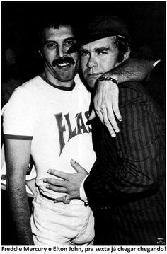 Freddie Mercury and Elton John pra sexta-feira já chegar chegando!