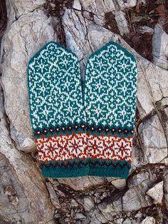 Knitting Patterns Mittens Ravelry: Snowstorm Mittens pattern by Natalia Moreva Fair Isle Knitting, Loom Knitting, Hand Knitting, Knitting Designs, Knitting Projects, Knitting Patterns, Knitting Tutorials, Hat Patterns, Stitch Patterns