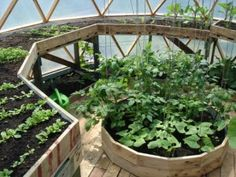 Efficient use of space inside geodesic dome greenhouse