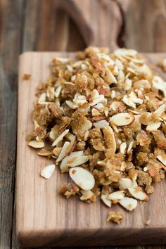 Lemon brown sugar almonds - great for snacking! ohsweetbasil.com