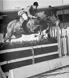 Hap Hansen on Green Dolphin winning the Barbara Worth Medal Finals in 1968. Photo by Fallaw