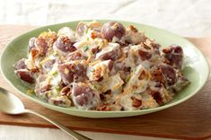 Discover a tasty recipe for Steakhouse Potato Salad! Watch our video to see how red potatoes, ranch dressing and more come together in our savory Steakhouse Potato Salad. There's no need to go out to eat when you can stay in with this delicious recipe. Kraft Foods, Kraft Recipes, Potato Dishes, Potato Recipes, Vegetable Recipes, Chicken Recipes, Side Dish Recipes, Side Dishes, Juicing