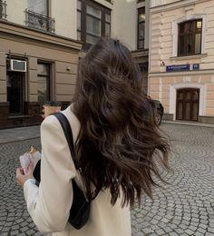 Aesthetic Hair, Brunette Aesthetic, Cream Aesthetic, Aesthetic Black, Aesthetic Beauty, City Aesthetic, Grunge Hair, Dream Hair, Brunette Hair