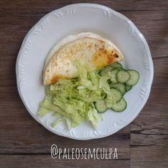 Para quebrar o jejum de 16 horas: 3 ovos acelga e pepino. ;) Também teve #morosil às 8 #modulip às 9 e #omega3 logo depois do almoço.  Tem dúvidas sobre a paleo? LINK NA BIO! #dieta #dietasemsofrer #dietapaleolitica #dietapaleo #paleo #paleofood #paleobrasil #paleolitica #paleolife #paleolifestyle #paleodiet #mydiet #eatclean #primal #primalfood #realfood #bixoeplanta #bichoeplanta #eatreal #fit #primalbrasil #fitfood #vidasaudavel #comersaudavel #semmedodagordura